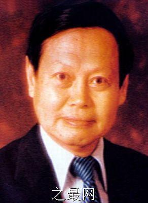杨振宁杨振宁,1922年10月1日生,汉族,安徽省肥西县人.著名...